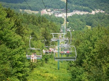 The ski lift to the Mountain Top Stage.